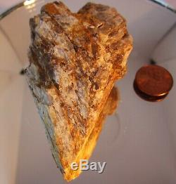 725CRTS ZULTANID NATURAL Heart shaped COLLECTIBLE decorator piece ore mineral