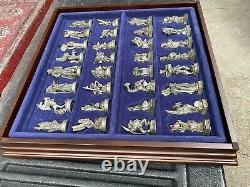 Fantasy Of The Crystal Chess Set Danbury Mint, 32 Pieces