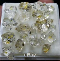 Fluorescent DT PETROLEUM Diamond Quartz Crystals. 50 carats and 23 pieces