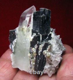 HUEBNERITE RED TRANSLUCENCY CRYSTALS with QUARTZS from PERÚ. GORGEOUS PIECE
