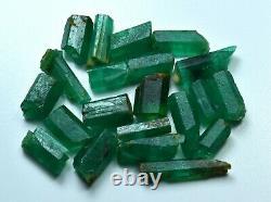 23 Carat Natural Top Green Color Emerald Crystal Lot 21 Pièces