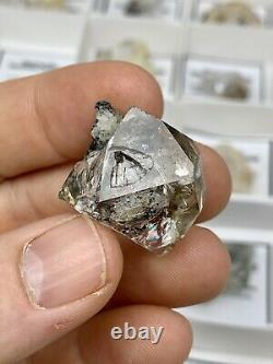 35 Pièces En Gros Plat De B-c Grade Ny Herkimer Diamond Quartz Cristaux