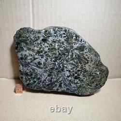 520g Phénix Cristal Rare Olivine Or Noir Météorite Morceau Du Xinjiang Deser