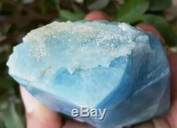 650gm Haut Bluish Aquamarine Couleur Cristal Rugueux Piece @ Pakistan