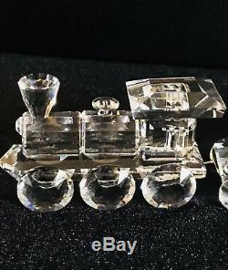 Coffret De Train En Cristal Signé Swan De Swarovski Et Complété Avec Une Piste. (5 Pièces)