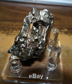 Énorme 129 Gm Campo Del Cielo Meteorite Crystal! Piece Grande Grande Taille Avec Support