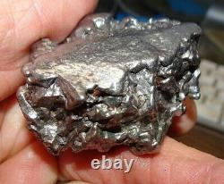 Énorme 192 Gm Campo Del Cielo Meteorite Crystal! Grande Grande Taille De Morceau Avec Le Stand