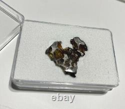 Imilac Pallasite Météorite 2,25 Grammes Olivine Tranche Cristalline, Une Belle Pièce
