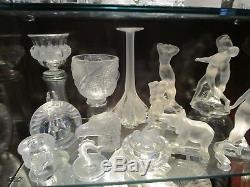 Lalique Crystal Collection De 48 Pièces Et Enseigne De Magasin Ramassage Seulement
