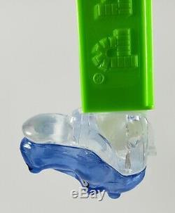 Pez Hippo Éprouvette Cristal Bleu Sur Le Dessus De La Tête Et Crystal Clear Sur Le Fond