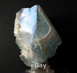 Pièce De Musée De Topaze Bleue