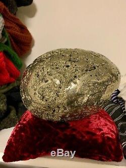 Pyrite. Grand, En Forme D'oeuf Pyrite Pièce. Environ 7 Long Et 5 De Large. 30lb