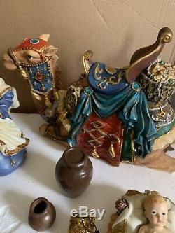 Signature De Kirkland De Noël Nativité Withcrystal Accents 18 Piece Set