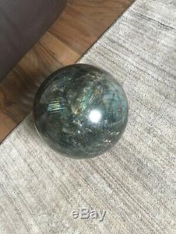 Sphère En Cristal De Labradorite Naturelle Malgache / Pièce Massive De 12,2 KG