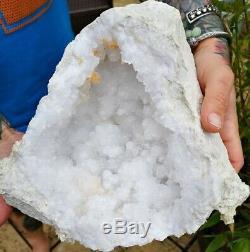 Superbe Géant XXL Grand Quartz Geode, La Guérison De Cristal. Pièce De Charge