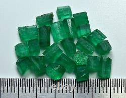 Transparent Green Color Natural Rough Emerald Crystal Lot (23 Pièces)10 Carat