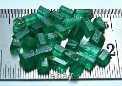 Transparent Natural Green Color Rough Emerald Crystal Lot (30 Pièces)20.40 Crat