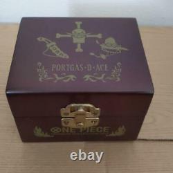 Un Piece Ace Fire Limited Montre Commémorative Officielle Quartz Premium Collection Jp